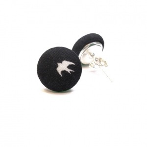 Earrings with white swallow on black2