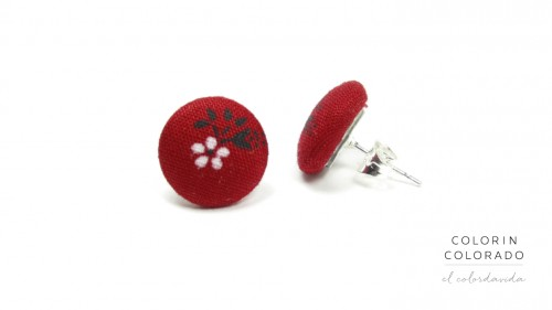 Earrings-with-White-Flower-Black-Leaf-on-Red-1