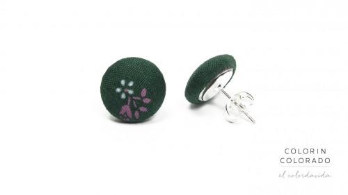 Earrings-with-White-Flower-Lila-Leaf-on-Dark-Green-1