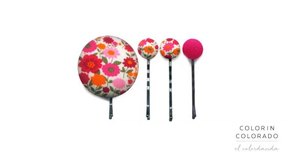 Set of 4 Pins with Pink and Orange Flowers on White